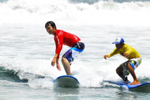surf lessons bali